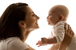 De 3 à 4 mois - Le développement affectif et social bébé