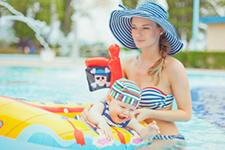 Le garage et le jardin - Accidents piscine bébé
